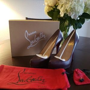 Gently used authentic Christian Louboutin heels
